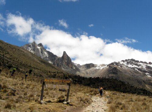 approaching Mackinders camp in teleki valley